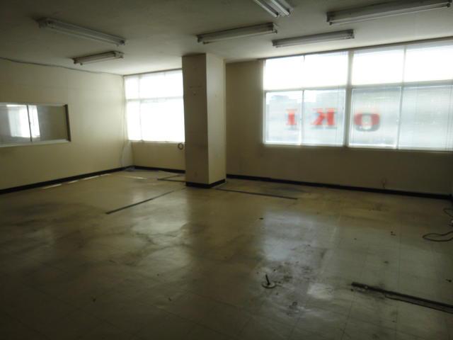 久野ビル 2階